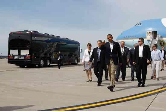 ¡Después del papamóvil, he aquí el autobús de Obama! 3