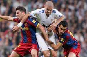 El comportamiento de los jugadores del Madrid y Barcelona