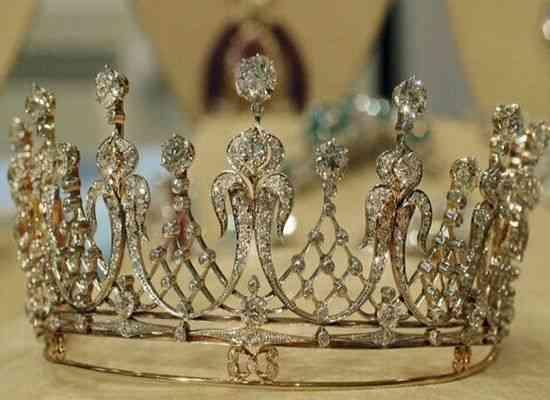 Selección de las mejores joyas de Elizabeth Taylor que saldrán a subasta II 5