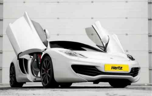 Disfruta de un McLaren MP4-12C gracias a Hertz 3