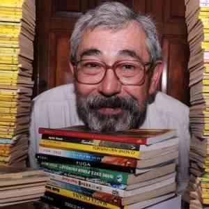 El hombre que escribe seis libros al mes 3