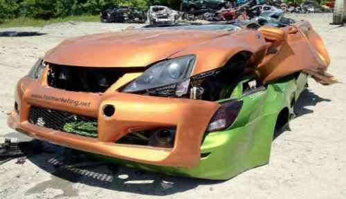 Lexus no entiende de crisis y destruye sus vehículos exhibidos en el SEMA 6