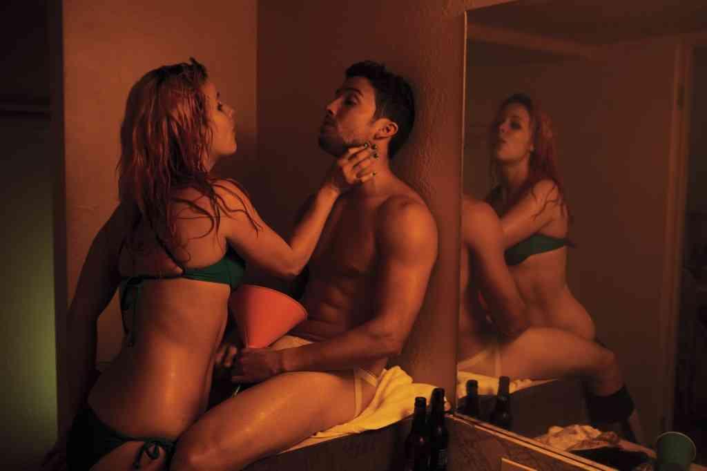 Recopilación de imágenes de 'Spring Breakers': universitarias borrachas y James Franco 17