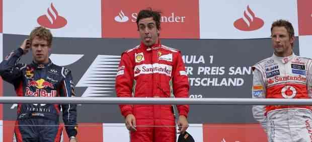 Alonso gana en Alemania y se acerca al título 3