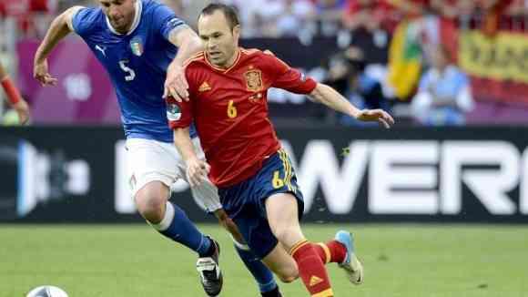 iniesta mejor jugador de la eurocopa 2012