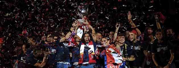 El Atlético festeja la Supercopa Europea en Neptuno 3