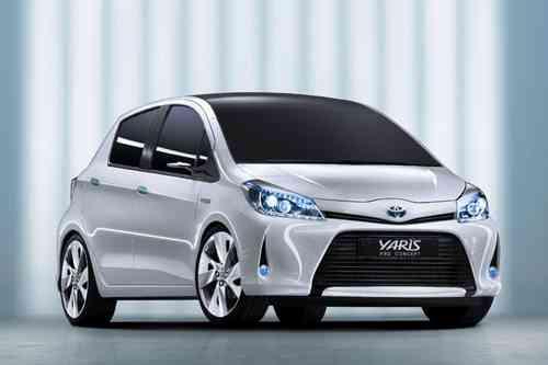 Toyota apuesta por los híbridos 12