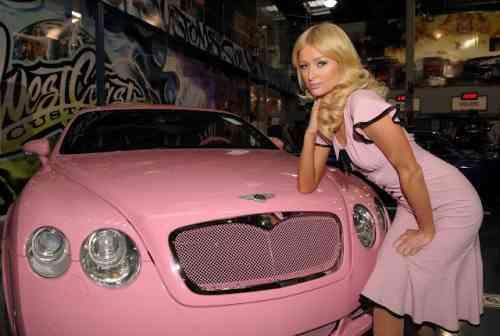 coche bentley rosa de paris hilton