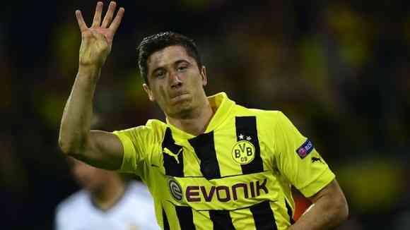 lewandowski anota cuatro goles al real madrid