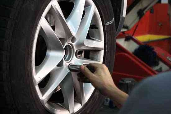 mantenimiento neumaticos del coche