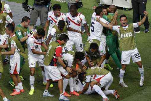 Costa-Rica-players-celebrates-_54409244229_54115221152_960_640