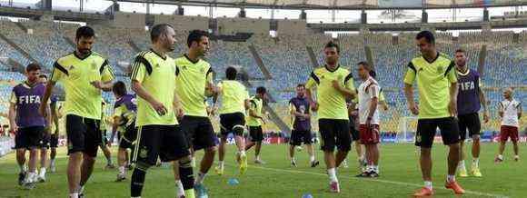 L-R-Spain-s-defender-Raul-Albi_54410059569_51351706917_600_226