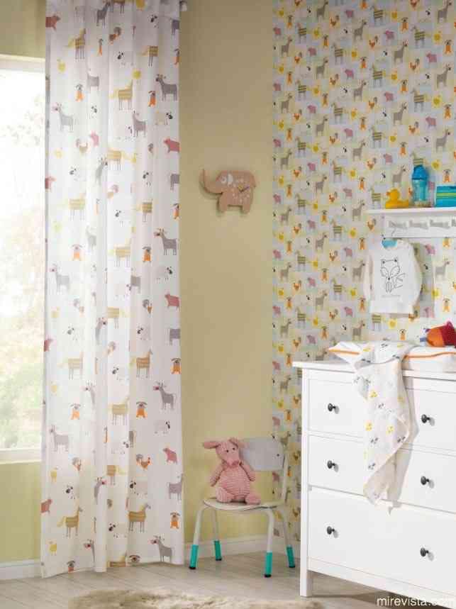 Decora la primera habitación de tu bebé con papel pintado 18