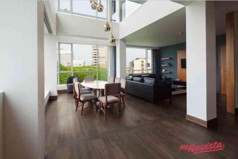 Apuesta por la marca líder de suelos vinílicos Adore Floors