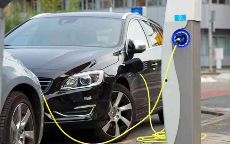 Solo el 16% de las empresas españolas, incluirán vehículos eléctricos a sus flotas