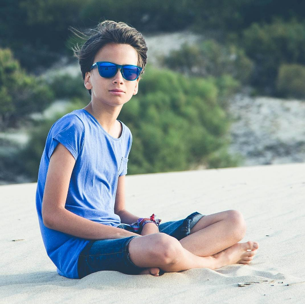 No quites ojo a tus hijos en verano: La importancia de proteger su vista con gafas de sol 1