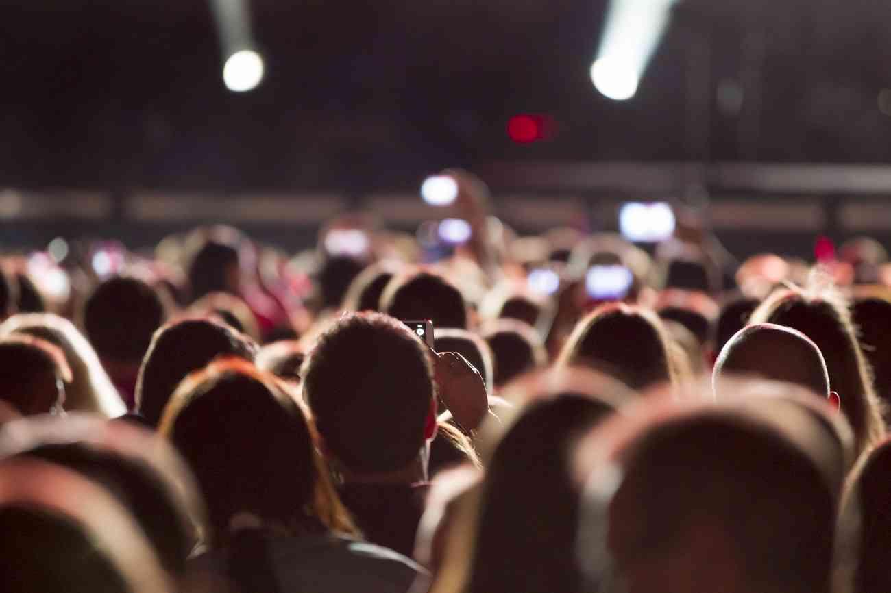 ¿Es legal hacer fotos y vídeos en playas, conciertos o sitios públicos? 2