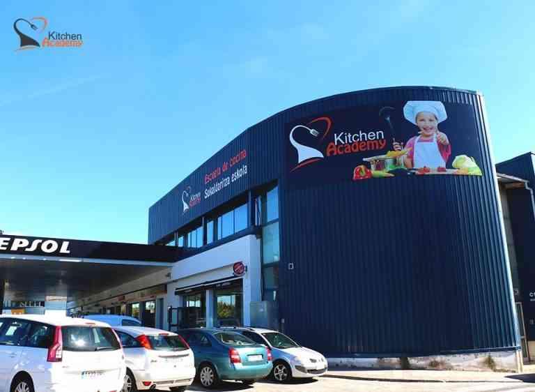 La escuela de cocina para niños Kitchen Academy aterriza en el País Vasco