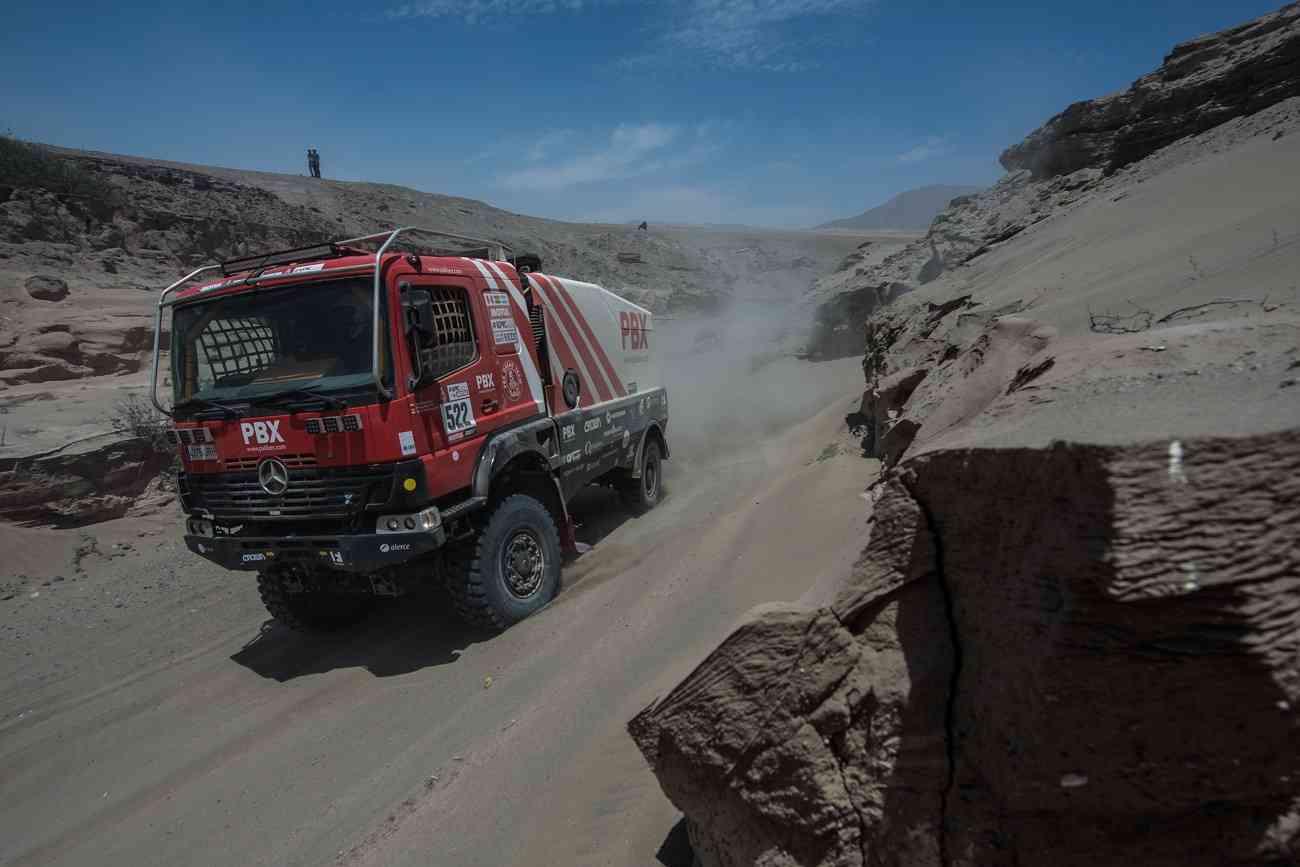 PBX Dakar Team, el único equipo español de camiones vivo en el Dakar 2