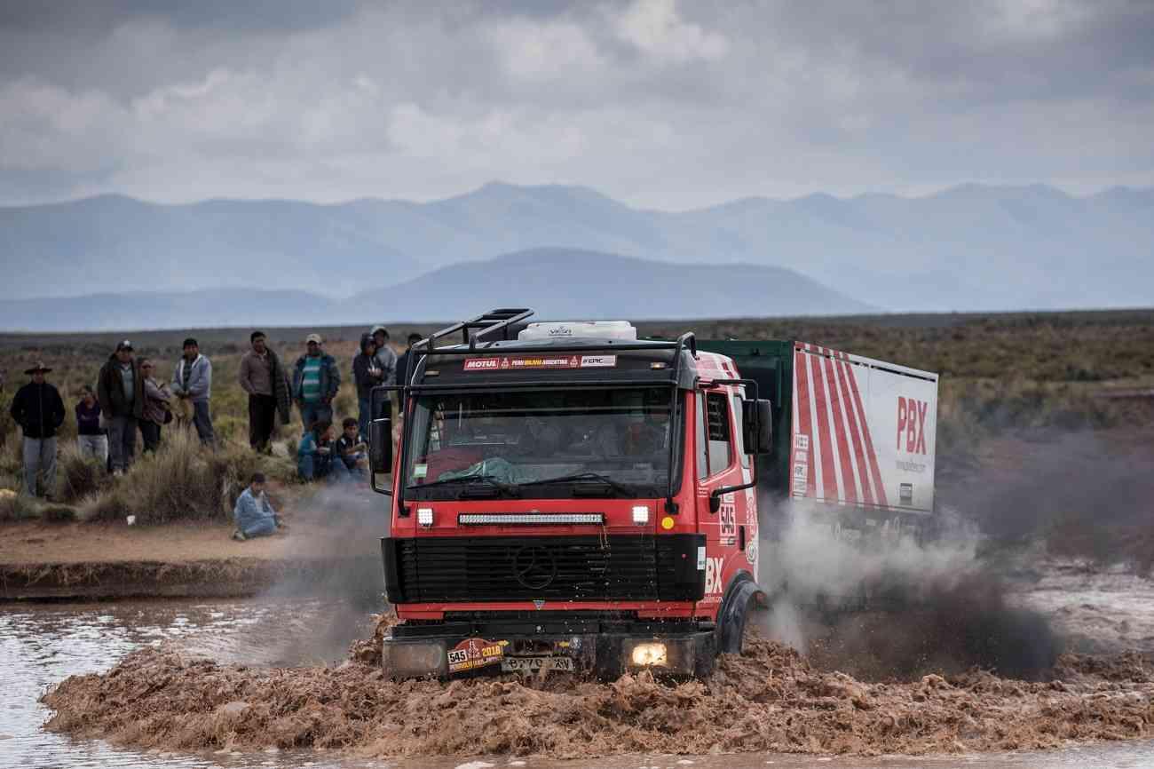 El equipo de camiones Palibex finaliza con éxito el Dakar 4