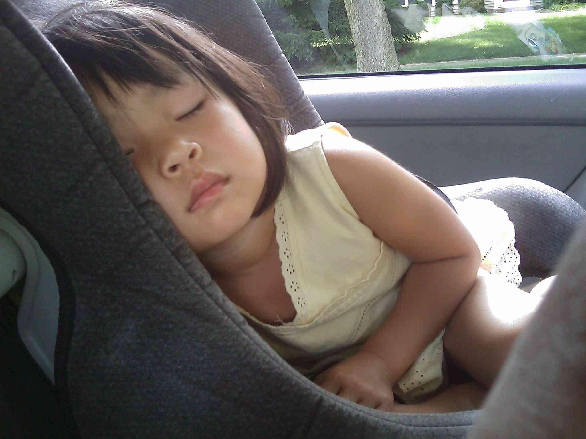 Más de la mitad de los padres, ponen en riesgo a sus hijos en el coche 3
