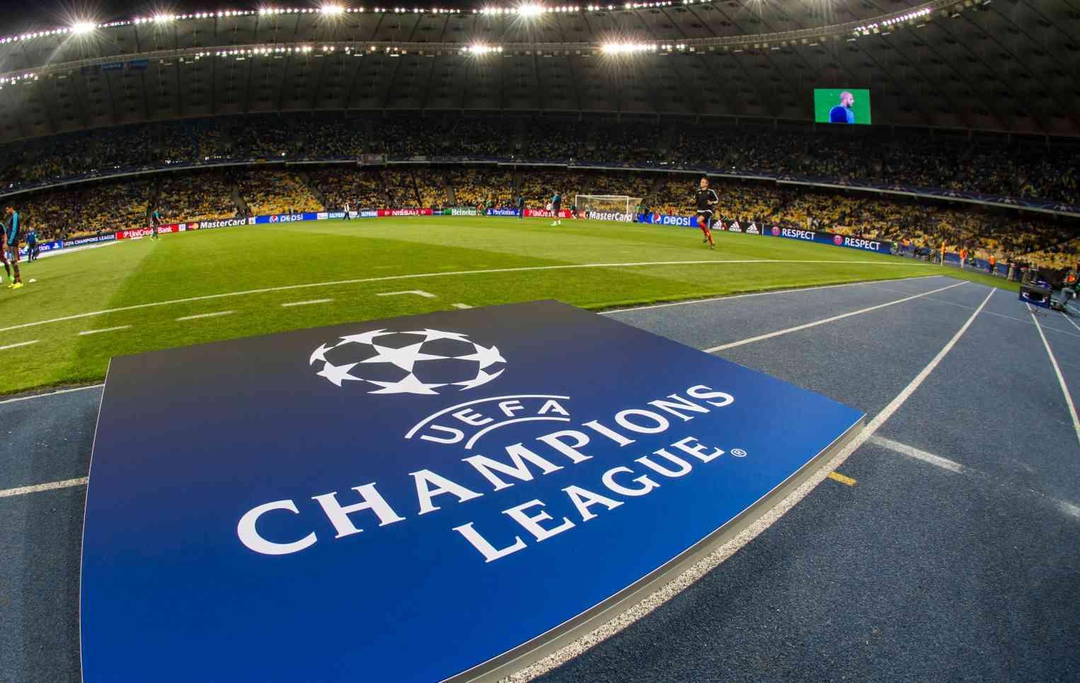 Los españoles gastan 3.000 euros al año en fútbol
