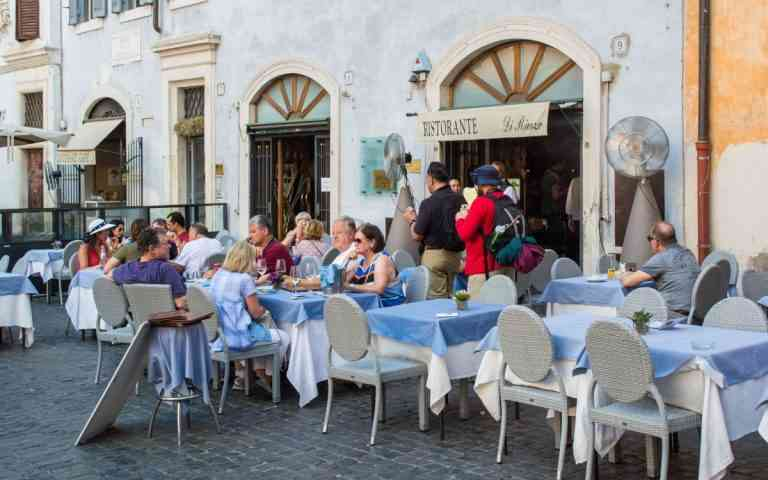 5 consejos para evitar las trampas turísticas en restaurantes