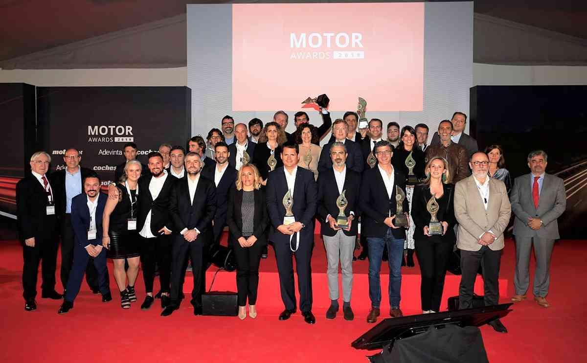 BMW Serie 8 y Ducate Panigale V4 premiados como Mejor Coche y Mejor Moto del año de los Motor Awards 2019 2