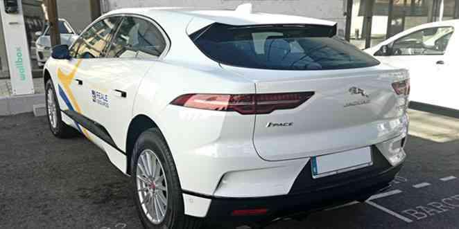 ALD Automotive entregó 15 automóviles Jaguar 100% eléctricos a Reale Seguros 1