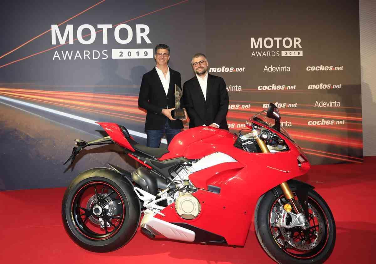 BMW Serie 8 y Ducate Panigale V4 premiados como Mejor Coche y Mejor Moto del año de los Motor Awards 2019 1