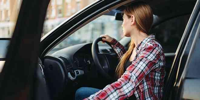 Cómo cuidar la postura al viaje en automóvil 1