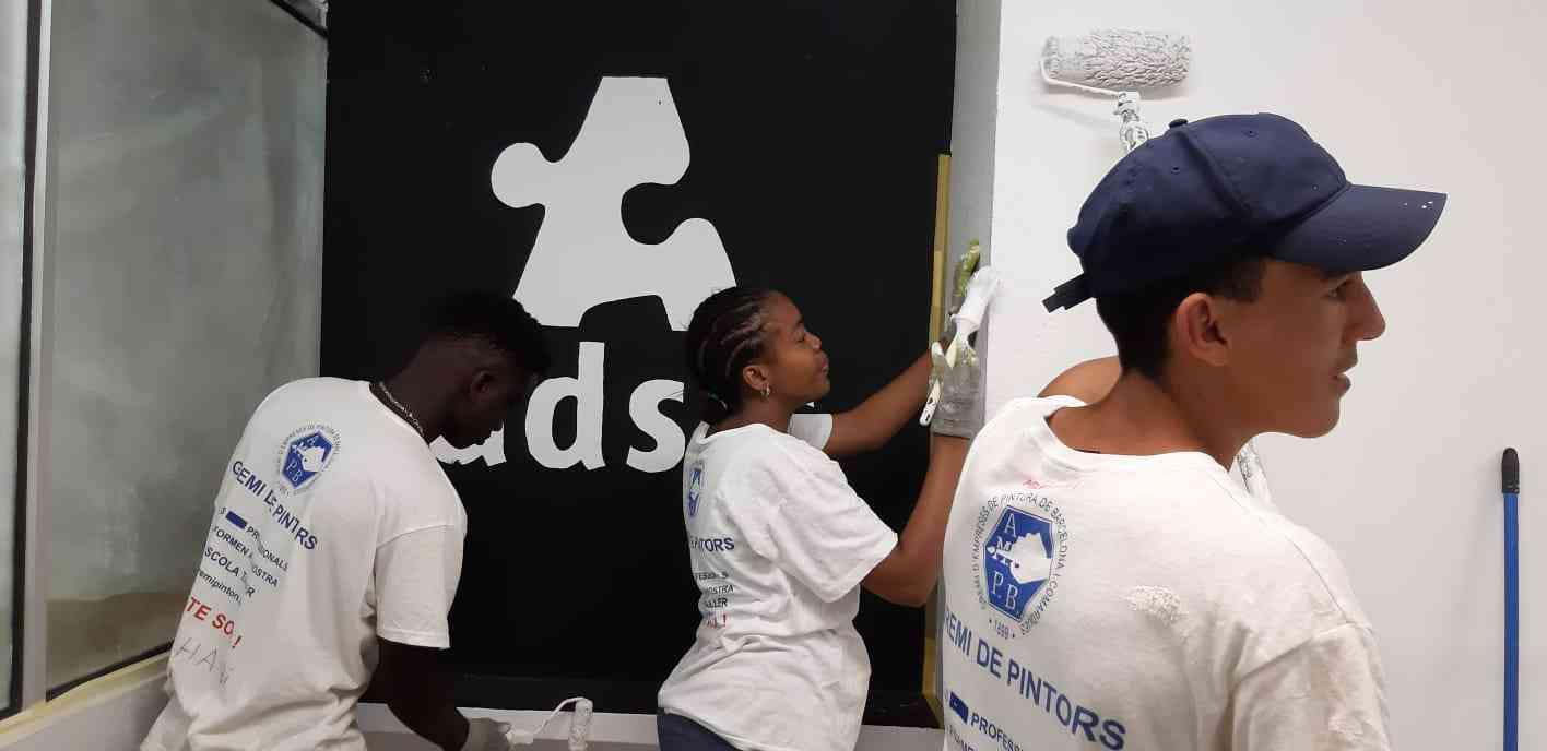 Procolor y Fundación Adsis colaboran con menores en riesgo de exclusión social 2