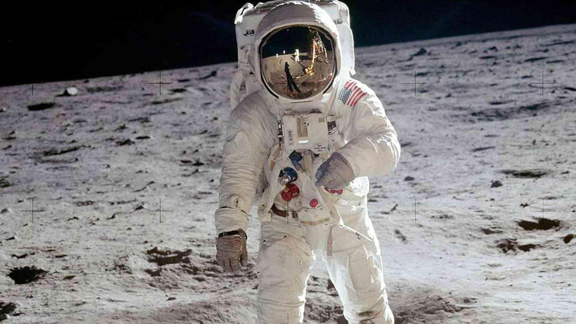 Space Oddity, la historia de cómo Ford ayudó al hombre a llegar a la luna 2