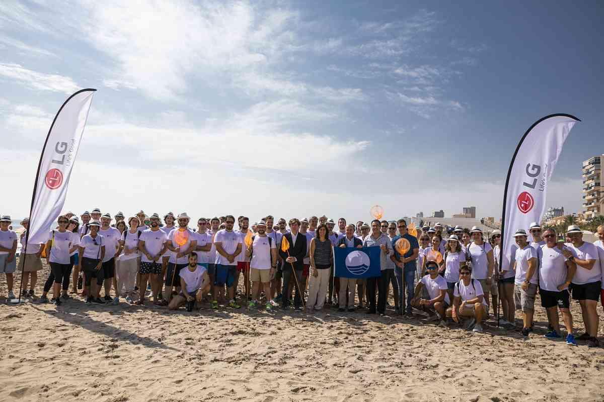 LG Iberia limpia la costa y el fondo marino mediterráneo 2