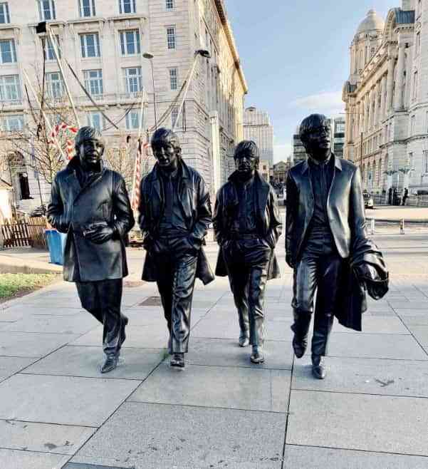 Los Beatles viajan hacia la Estrella Polar 6