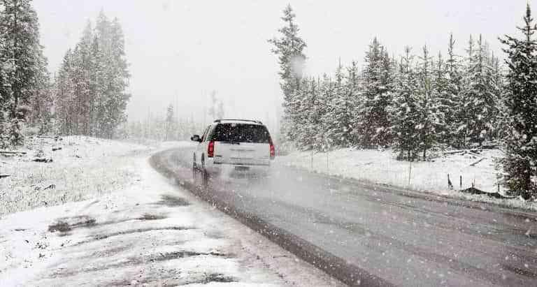 Consejos para mejorar la conducción con nieve o hielo