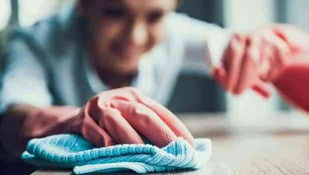 Por la subida del Salario Mínimo, el trabajo en asistencia domiciliaria podría bajar un 20%