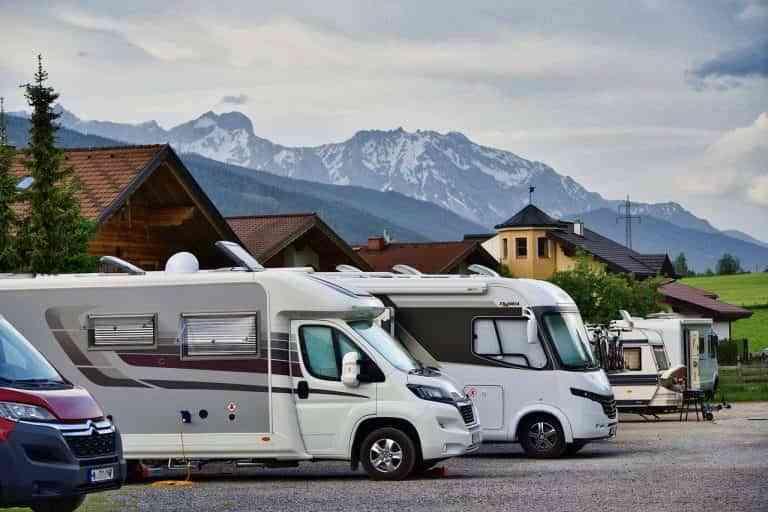 El coche y la autocaravana serán los protagonistas de nuestras vacaciones de verano