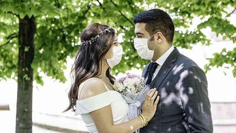 Las bodas en España en 2021: 12.250 euros de coste medio, 60 invitados y al aire libre