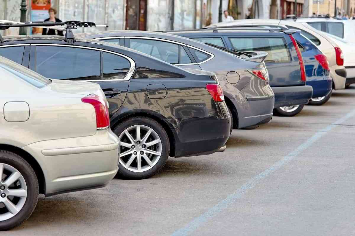 Robos y golpes, las mayores preocupaciones a la hora de aparcar el coche en la calle 3
