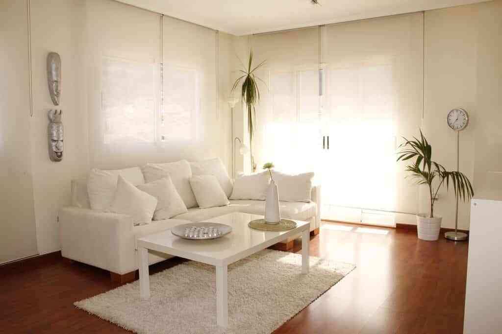 La mitad de los españoles alquilan viviendas ante la imposibilidad de comprar una 15